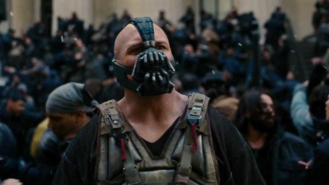 10 bí mật hậu trường của The Dark Knight Rises: Suýt chút nữa Leonardo DiCaprio đã cùng Heath Ledger đối đầu với Christian Bale - Ảnh 7.