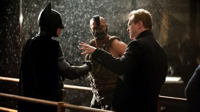 10 bí mật hậu trường của The Dark Knight Rises: Suýt chút nữa Leonardo DiCaprio đã cùng Heath Ledger đối đầu với Christian Bale - Ảnh 8.