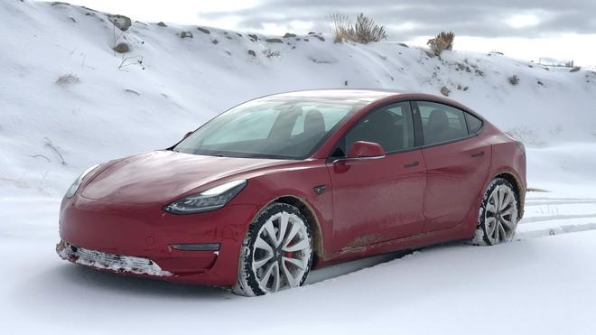 Là những quốc gia sản xuất ô tô hàng đầu thế giới, tại sao Đức và Nhật lại không vội vàng phát triển ô tô điện thông minh - Ảnh 1.