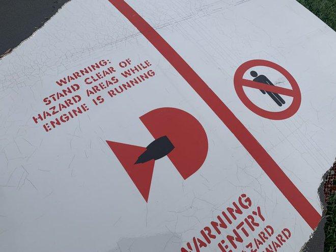 """Máy bay của United Airlines đang bay thì """"rụng"""" động cơ xuống Colorado - Ảnh 2."""