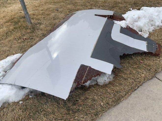 """Máy bay của United Airlines đang bay thì """"rụng"""" động cơ xuống Colorado - Ảnh 5."""