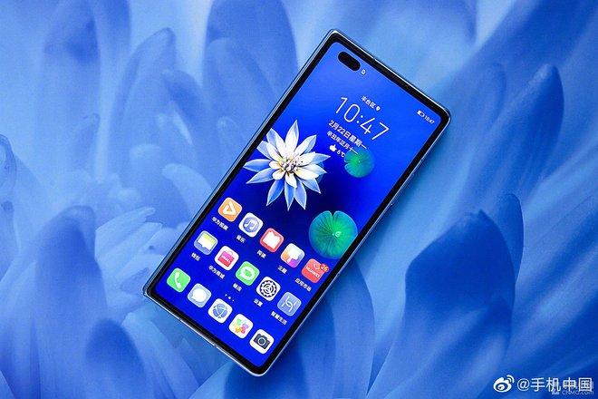 Cận cảnh Huawei Mate X2: Đối thủ xứng tầm của Galaxy Z Fold2 - Ảnh 4.