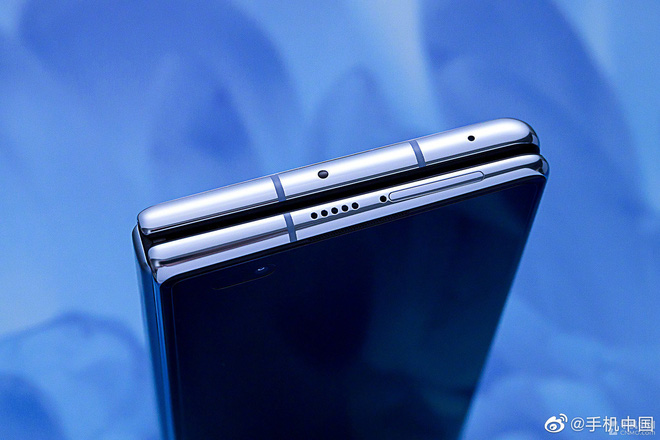 Cận cảnh Huawei Mate X2: Đối thủ xứng tầm của Galaxy Z Fold2 - Ảnh 10.