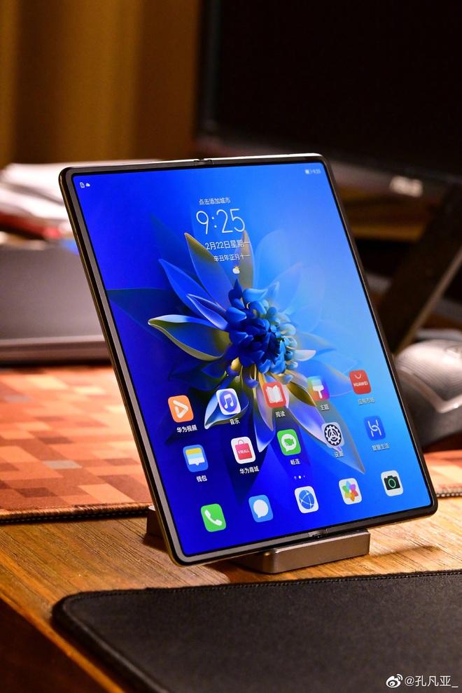Cận cảnh Huawei Mate X2: Đối thủ xứng tầm của Galaxy Z Fold2 - Ảnh 12.