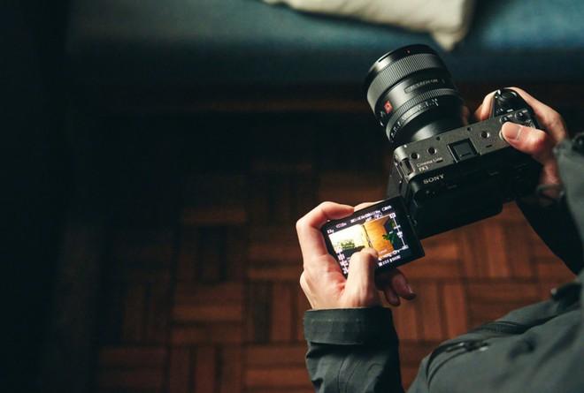 Sony công bố FX3: Máy quay chuyên nghiệp nhỏ gọn, cấu hình tương đương A7S III - Ảnh 8.