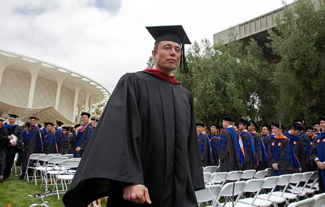 Bất ngờ: Elon Musk vừa có một nghiên cứu khoa học đăng trên tạp chí Nature nói về COVID-19 - Ảnh 1.