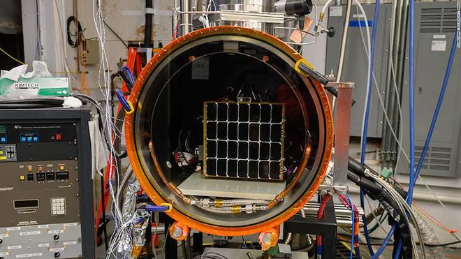 Tấm pin mặt trời ngoài không gian với khả năng thu và bắn năng lượng xuống bất kỳ đâu trên Trái đất - Ảnh 1.