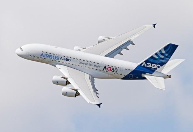 Hoá ra máy bay hỏng động cơ, rơi linh kiện xuống mặt đất xảy ra thường xuyên hơn bạn nghĩ - Ảnh 2.