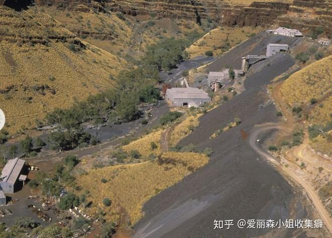 Thị trấn ma của Úc bị xóa vĩnh viễn khỏi bảng chỉ đường và bản đồ do khủng hoảng amiăng - Ảnh 11.