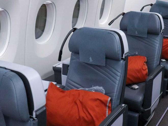 Bí mật ẩn sau 6 chiếc ghế luôn cháy vé của hãng hàng không Singapore Airlines - Ảnh 2.