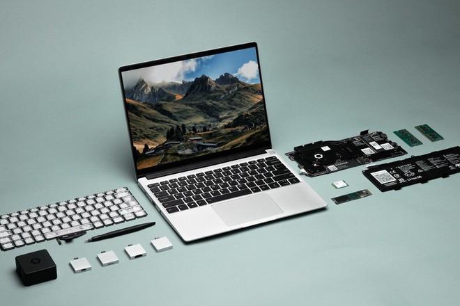 Laptop dễ nâng cấp nhất thế giới ra mắt: Mỏng nhẹ còn hơn cả MacBook Pro M1 của Apple - Ảnh 1.