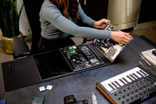 Laptop dễ nâng cấp nhất thế giới ra mắt: Mỏng nhẹ còn hơn cả MacBook Pro M1 của Apple - Ảnh 4.