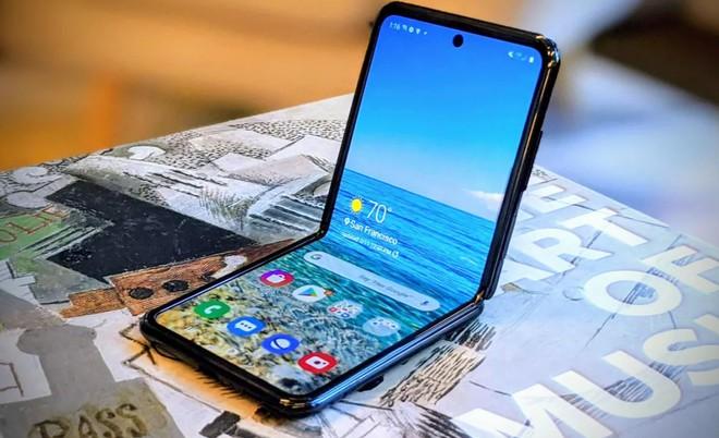 Samsung giảm giá Galaxy Z Flip 5G giúp người dùng có cơ hội tiếp cận gần hơn với smartphone màn hình gập - Ảnh 1.