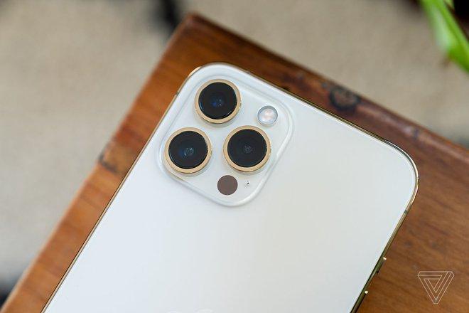 iPhone 13 sẽ được nâng cấp camera góc siêu rộng, chụp thiếu sáng tốt hơn - Ảnh 2.