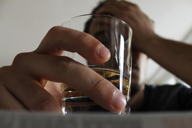 Nghiện bia rượu có thể rút ngắn tuổi thọ của bạn tới 28 năm - Ảnh 2.