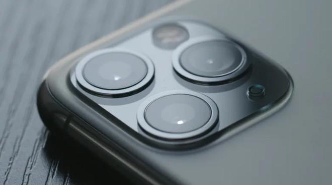 Camera lồi trên smartphone sẽ sớm trở thành dĩ vãng nhờ công nghệ thấu kính phẳng mới đang được phát triển - Ảnh 2.