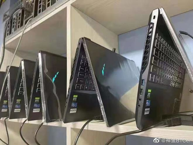Thiếu nguồn cung card đồ họa, dân cày tiền ảo thu mua cả lô laptop về để khai thác tiền điện tử - Ảnh 1.