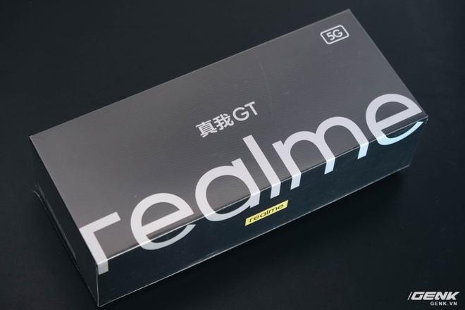 Trên tay Realme GT: Smartphone Snapdragon 888, màn hình AMOLED 120Hz giá rẻ - Ảnh 1.