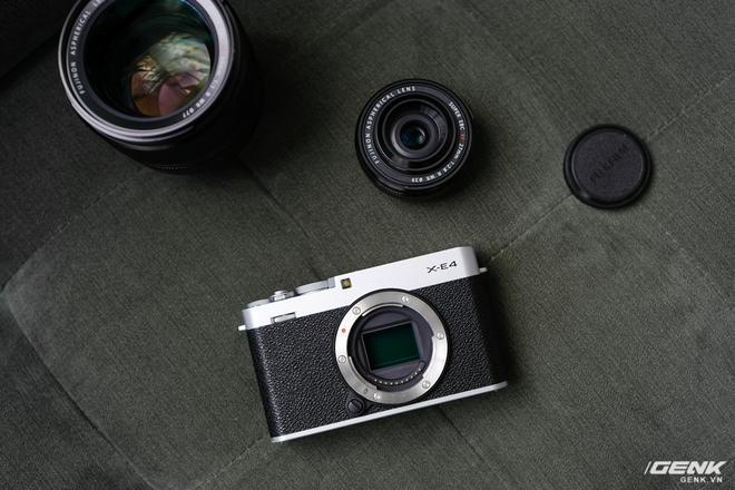 Trên tay và cảm nhận nhanh Fujifilm X-E4: Thay đổi nhiều so với đời trước, nhưng theo hướng tích cực hay tiêu cực? - Ảnh 1.
