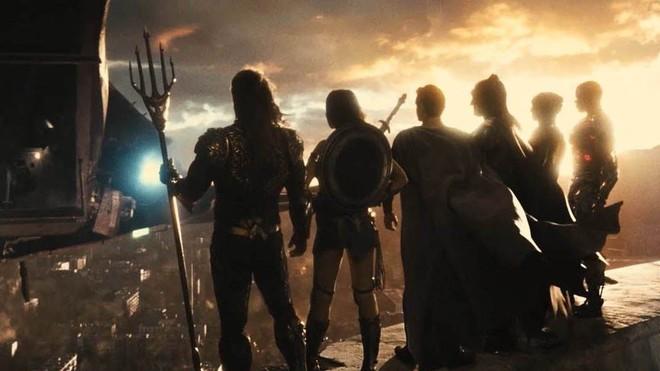 Zack Snyder hé lộ nội dung Justice League 2, hoành tráng không thua gì Avengers: Endgame của Marvel - Ảnh 2.