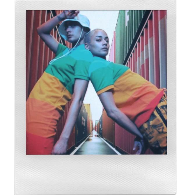Polaroid hợp tác cùng Lacoste ra mắt bộ sưu tập quần áo và máy ảnh cực độc đáo - Ảnh 6.