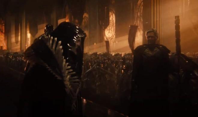 Những easter egg thú vị trong Justice League: Zack Snyder cũng góp mặt sương sương, có cả chi tiết liên quan đến Marvel - Ảnh 4.