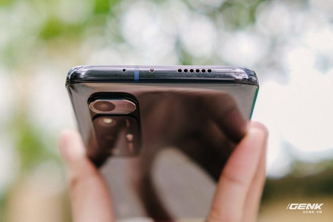 Trên tay Xiaomi Mi 10S: Thiết kế giống Mi 10 Ultra nhưng nội thất giống Redmi K40, giá 12.8 triệu đồng - Ảnh 11.