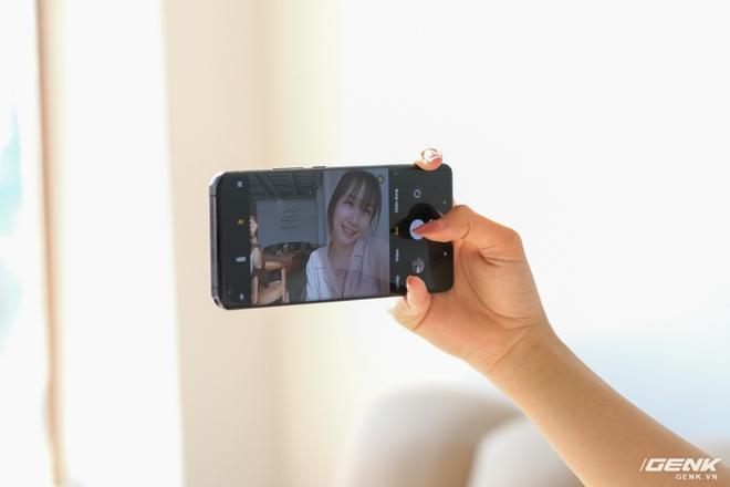 Mở hộp và cảm nhận nhanh Xiaomi Mi 11 5G: Chạy Snapdragon 888 cực khủng, màu Xanh Chân Trời rất đẹp, kèm sẵn củ sạc nhanh 55W - Ảnh 12.