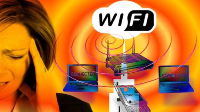 Phản biện bí kíp vừa bảo vệ sức khỏe, vừa cải thiện chất lượng internet của dân mạng Nga: dùng giấy bạc bọc router Wi-Fi!!! - Ảnh 2.