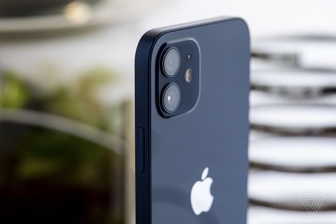 iPhone màn hình gập có thể sẽ ra mắt vào năm 2023 - Ảnh 1.