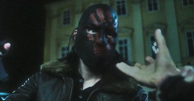 Phản diện đầu tiên của The Falcon & the Winter Soldier: Những kẻ ủng hộ Thanos, muốn tạo ra 1 thế giới thống nhất không biên giới - Ảnh 1.