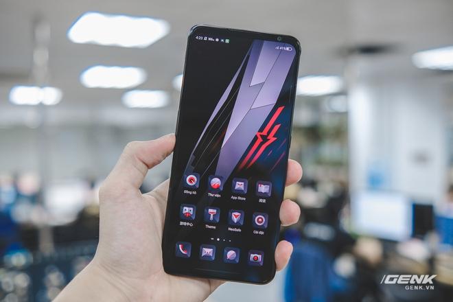 Trên tay Red Magic 6 Pro: Điện thoại gaming Snapdragon 888, màn hình 165Hz, sạc nhanh 120W cực khủng - Ảnh 8.