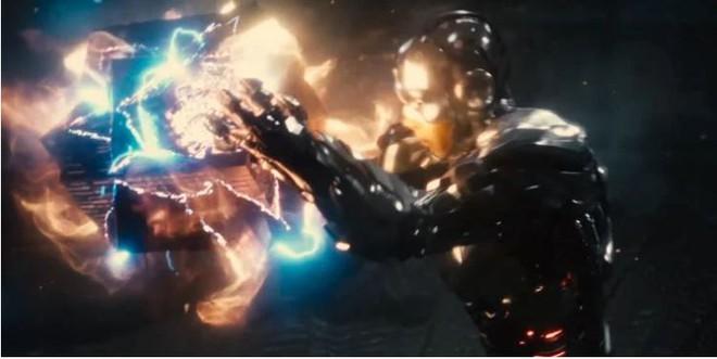Những khác biệt lớn nhất giữa Snyder Cut và Justice League 2017, thế mới thấy vì sao fan lại mê bản vừa ra mắt đến vậy - Ảnh 3.