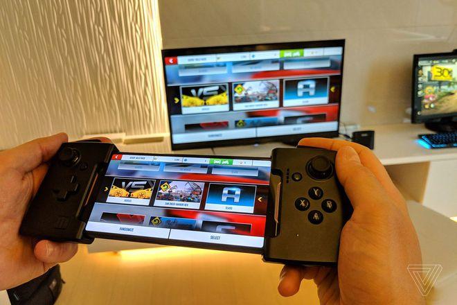 Qualcomm sắp ra mắt máy chơi game nhái Nintendo Switch: Tháo rời được tay cầm, chạy Android 12, giá chỉ 300 USD? - Ảnh 2.