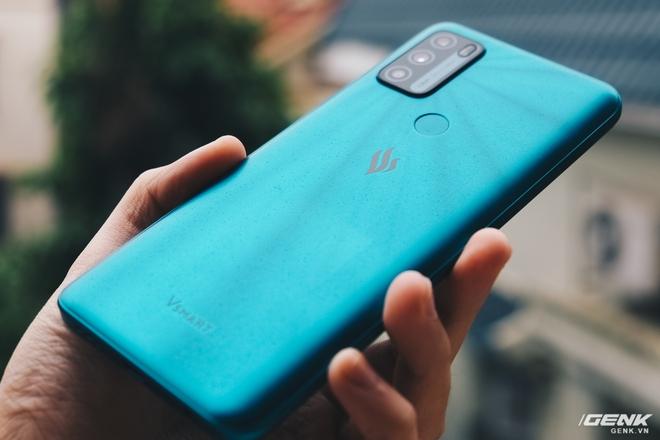 Trên tay Vsmart Star 5: Smartphone duy nhất trong tầm giá có vSIM kèm gói 4G miễn phí - Ảnh 6.