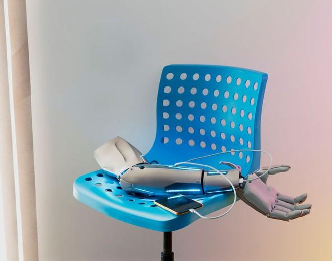 David Vintiner: Thợ săn cyborg và một thế giới khi con người giao thoa với máy móc - Ảnh 6.