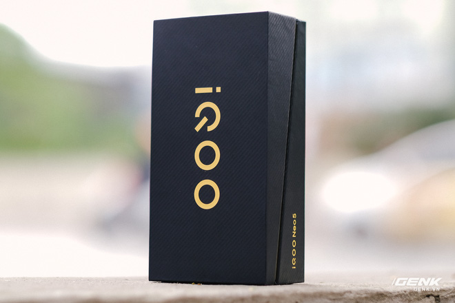 Trên tay iQOO Neo5 tại VN: Đối thủ cạnh tranh của Redmi K40, tập trung vào gaming, giá 9.9 triệu đồng - Ảnh 1.
