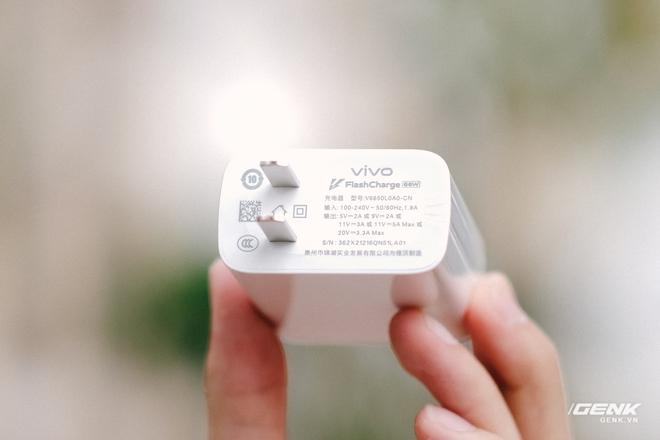Trên tay iQOO Neo5 tại VN: Đối thủ cạnh tranh của Redmi K40, tập trung vào gaming, giá 9.9 triệu đồng - Ảnh 2.