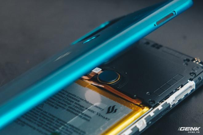 Mổ bụng Vsmart Star 5: Có gì bên trong smartphone giá 2.69 triệu của VinSmart? - Ảnh 4.