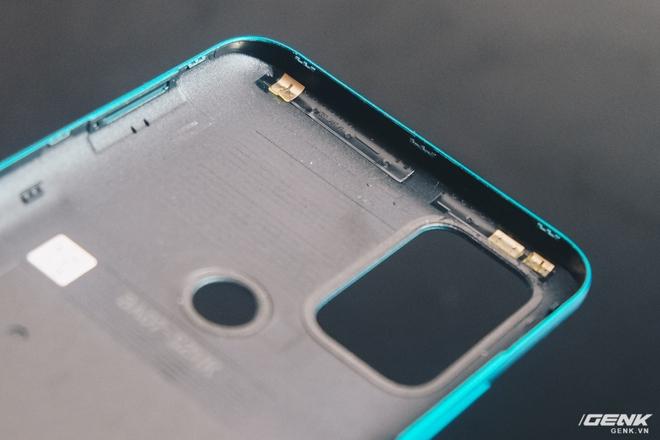 Mổ bụng Vsmart Star 5: Có gì bên trong smartphone giá 2.69 triệu của VinSmart? - Ảnh 5.