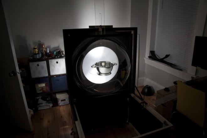 Nhiếp ảnh gia phát minh cách chụp những đồ vật bị bóng một cách đơn giản - Ảnh 5.