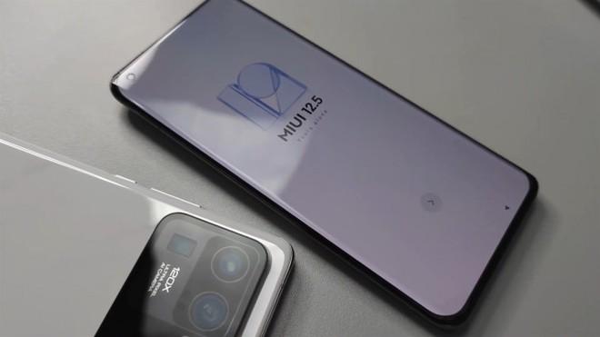 Xiaomi Mi 11 Pro và 11 Ultra sẽ được trang bị công nghệ pin giống như trong ô tô điện, mỏng hơn và sạc nhanh hơn - Ảnh 1.