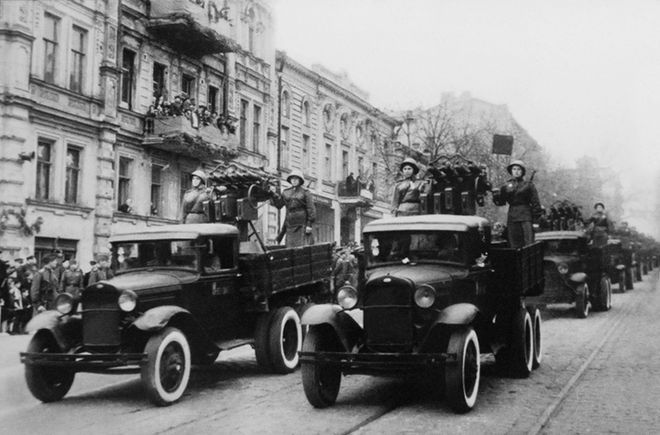 Đại chiến thế giới lần thứ II: Lịch sử những chiếc ô tô nổi tiếng của hai phe Xô – Đức - Ảnh 2.