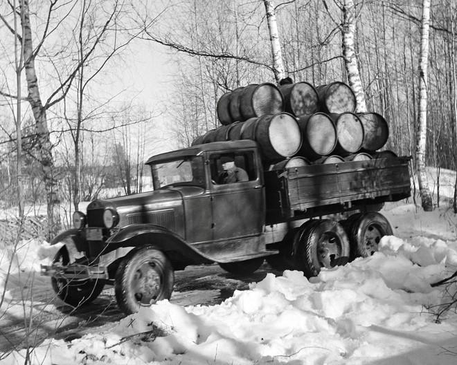 Đại chiến thế giới lần thứ II: Lịch sử những chiếc ô tô nổi tiếng của hai phe Xô – Đức - Ảnh 3.