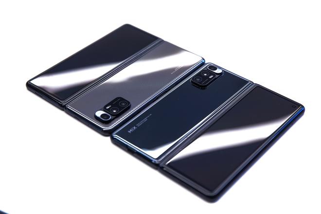 Cận cảnh Xiaomi Mi MIX Fold: Thiết kế gập giống Galaxy Z Fold2, giá chỉ từ 35 triệu thì có gì khác biệt? - Ảnh 11.