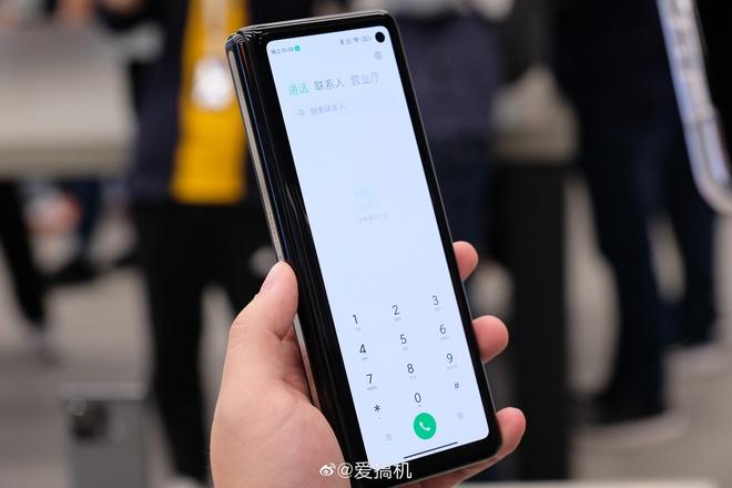 Cận cảnh Xiaomi Mi MIX Fold: Thiết kế gập giống Galaxy Z Fold2, giá chỉ từ 35 triệu thì có gì khác biệt? - Ảnh 7.
