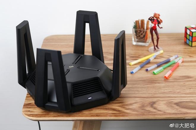 Xiaomi ra mắt router gaming Mi AX9000: Thiết kế hầm hố, hỗ trợ 3 băng tần, Wi-Fi 6, giá 3.5 triệu đồng - Ảnh 2.