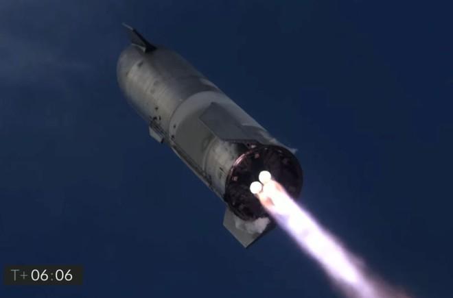 Starship của SpaceX lần đầu tiên hạ cánh thẳng đứng thành công, rồi phát nổ - Ảnh 1.