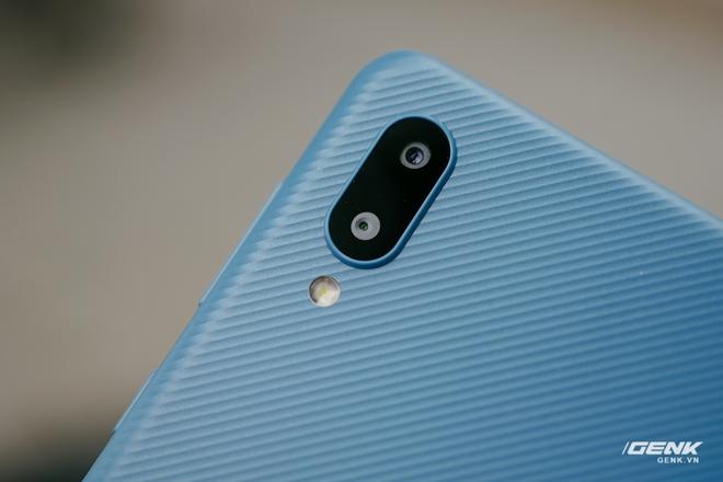 Trên tay Galaxy A02: Smartphone giá rất rẻ, pin rất trâu của Samsung - Ảnh 5.