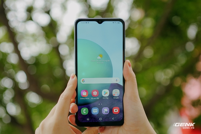 Trên tay Galaxy A02: Smartphone giá rất rẻ, pin rất trâu của Samsung - Ảnh 6.